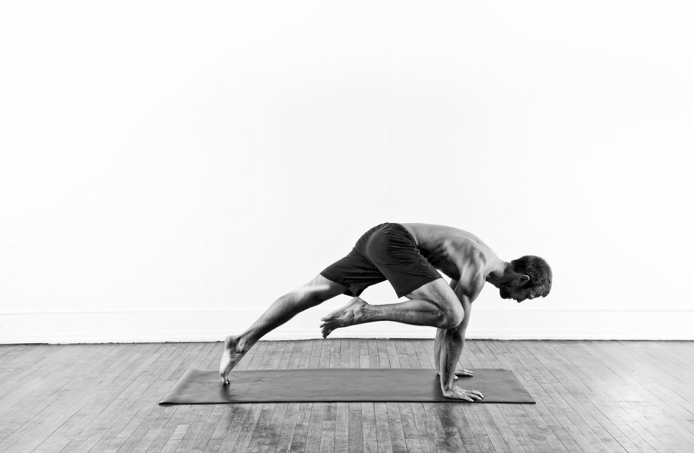 Knee to Elbow Open / Eka Pada Koundinyasana 2 prep.