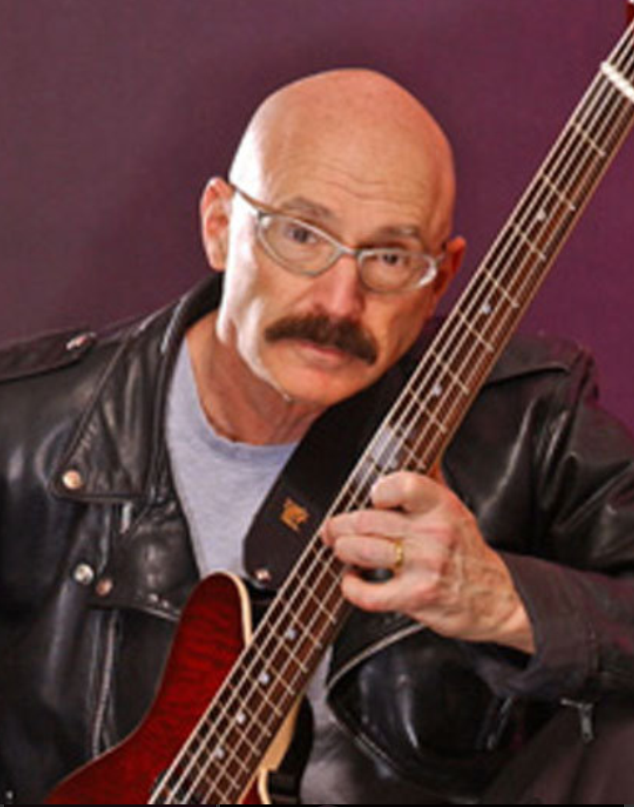 Legendary bassist Tony Levin