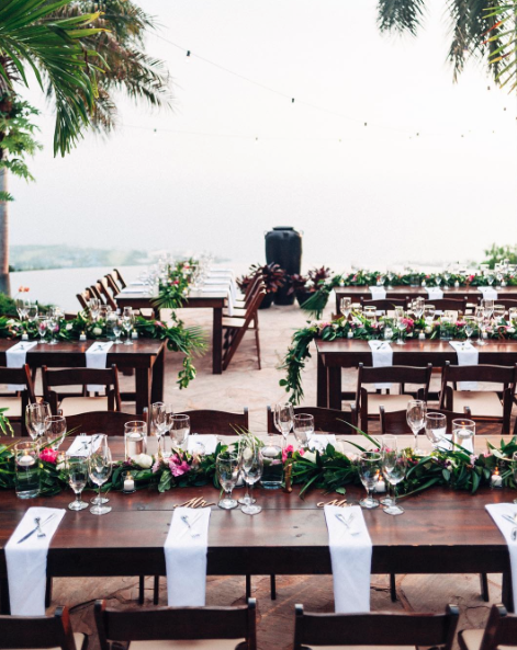 Sweet + simple reception at hale wailele by Jots of Thoughts.   @bikinibirdie  |  @graceflowershawaii  |  @pineapplebakery  |  @monamicatering