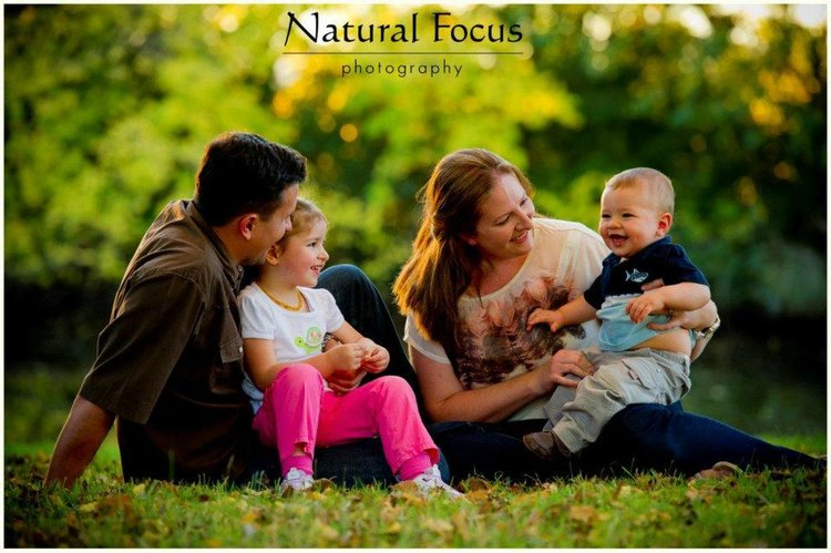 baby outdoor family photography