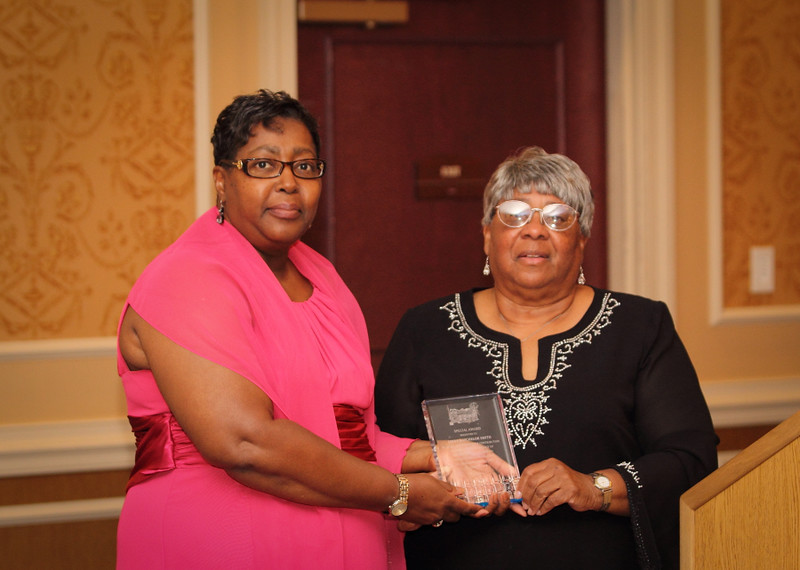 Linda Batchelor Smith 2014 Special Award.jpg