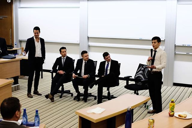 """How to pitch yourself in 60 seconds"" competition by Sales Club #mUSThaveMBA #HKUST #MBALife #Studentclub  @mikejpelosi @fredkh.chan  @dkeresteci"