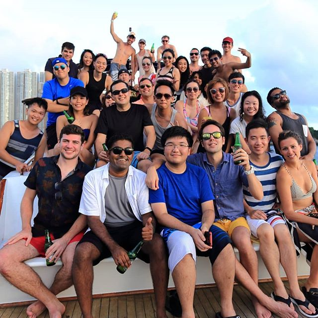 First junk boat after 100 times of postponing 😂  Again, thanks @pia_on.zhe.gram and Ben for organizing. I still remember how mess up it was 😆😆 #HKUSTMBA #mUSThaveMBA #hkust #junkboat #intake2017 #intake17 #hkustjunkboat