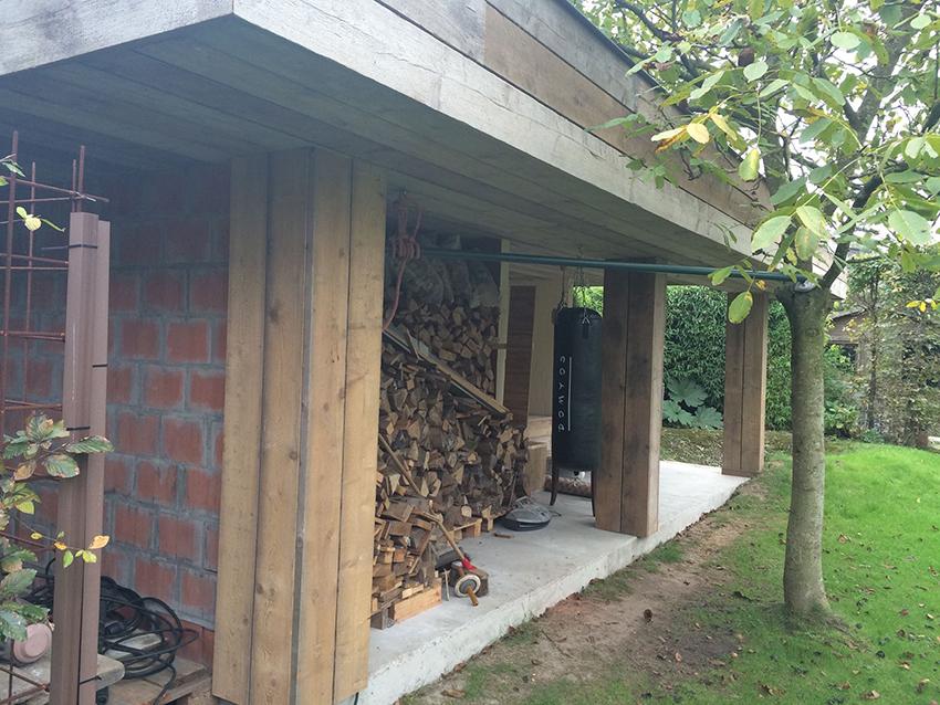 Afwerking plat dak met hout.jpg