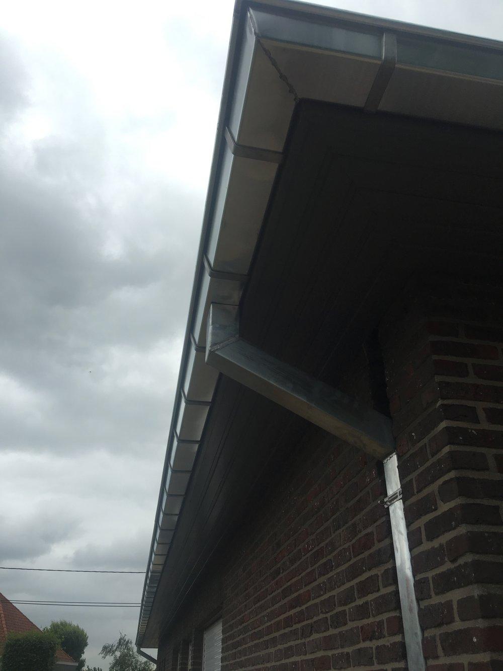 Zinken dakgoot vernieuwen West-Vlanderen.jpg