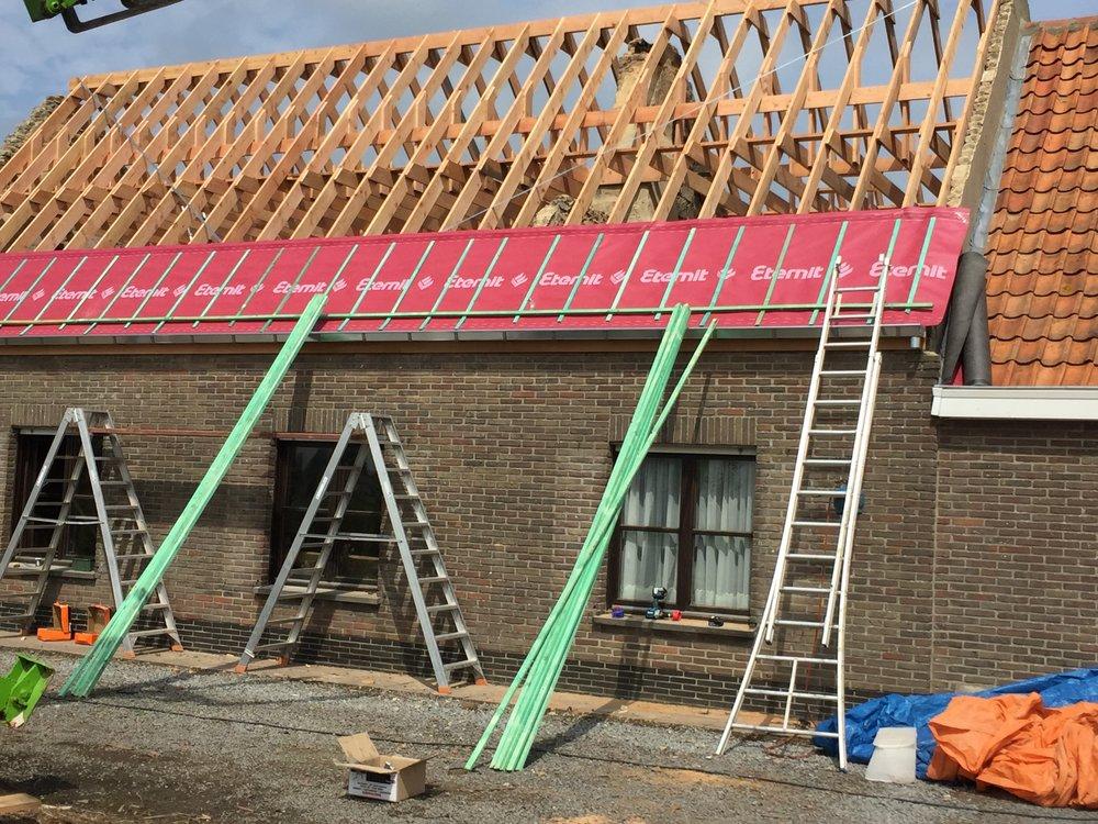 Renovatie dakgebinte Roeselare.jpg
