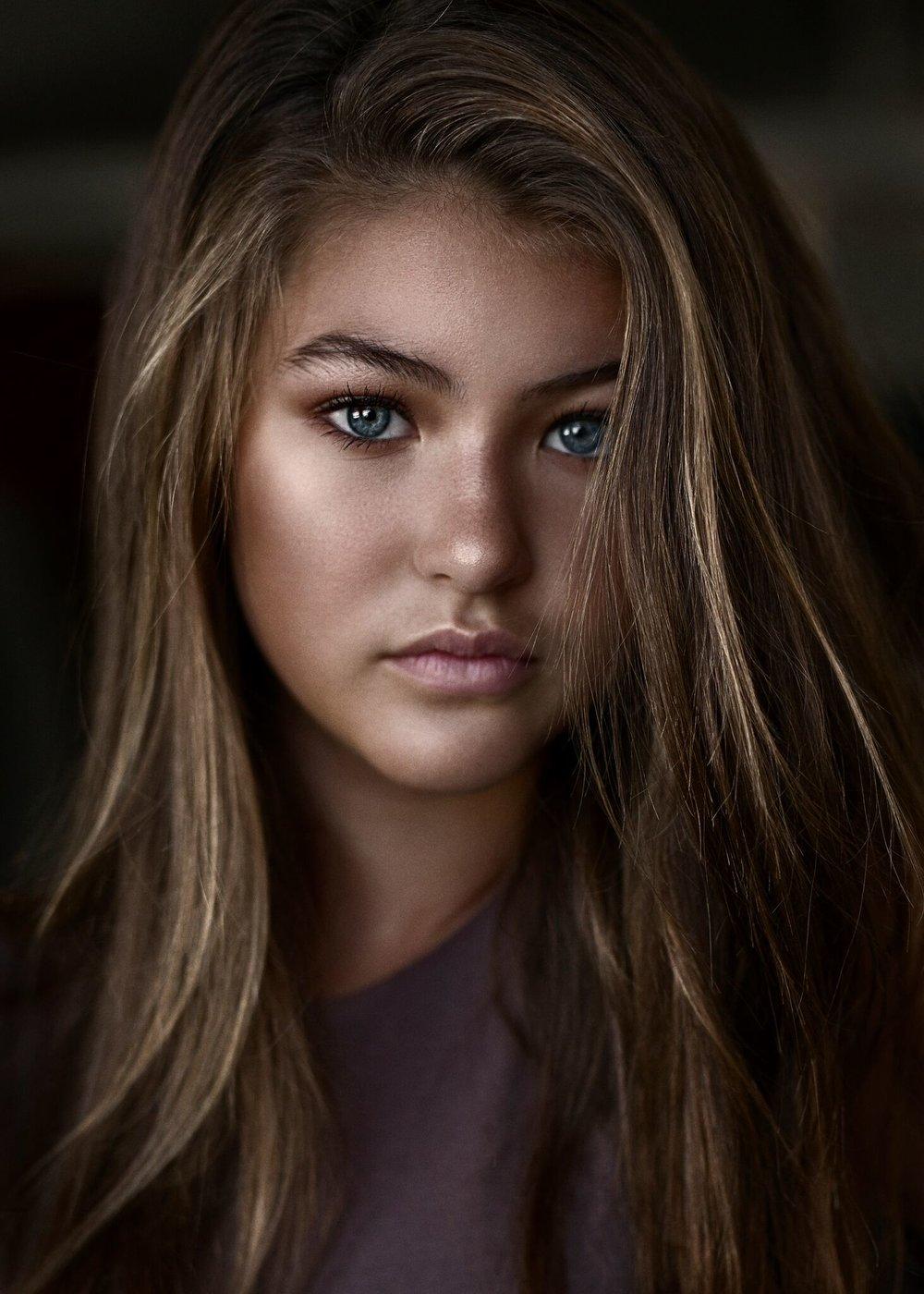 Sienna Davis, Model Citizen Magazine, Model Citizen App