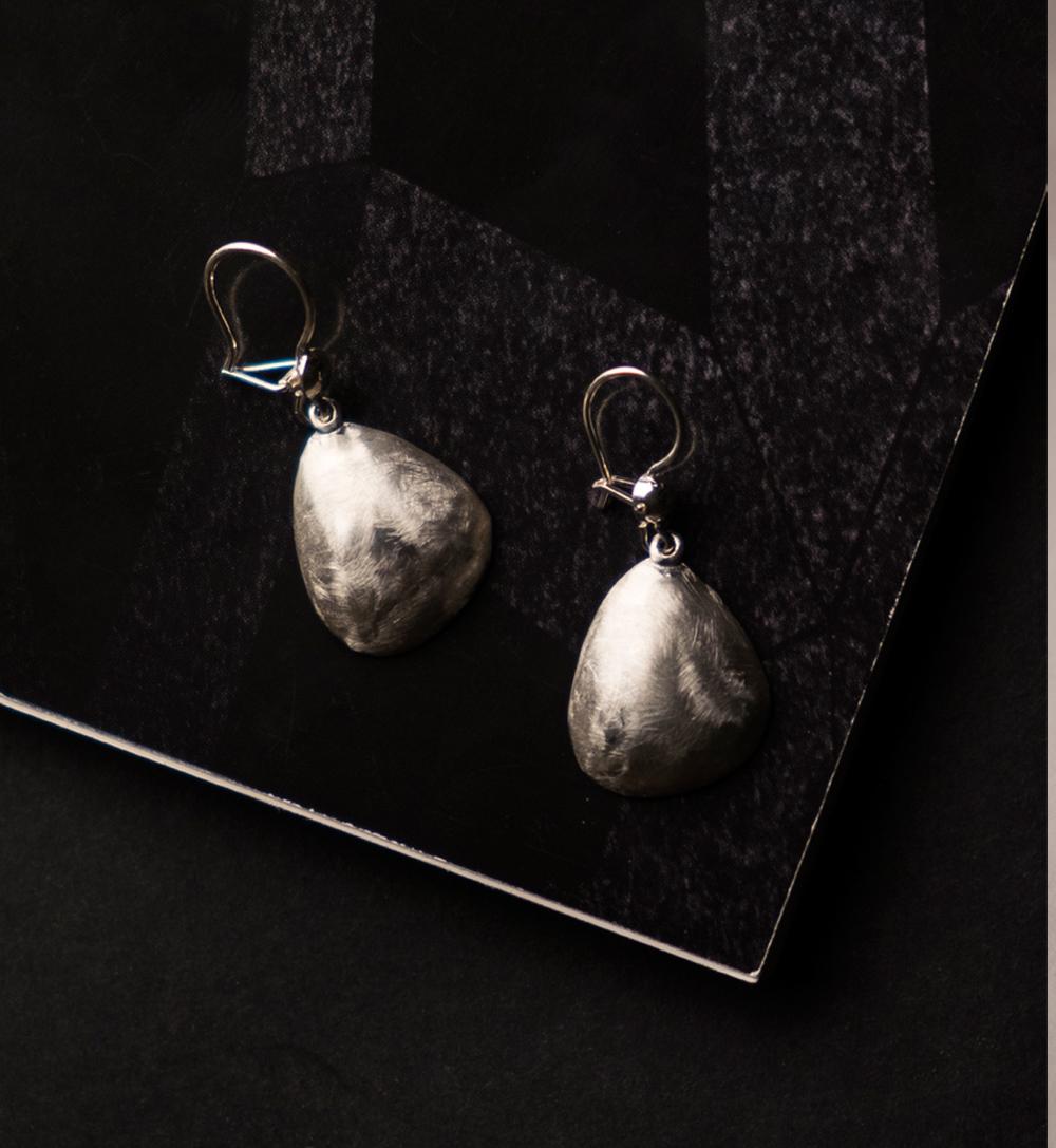590e9eaed418-aurora_silver_hook_earrings.jpg