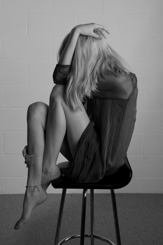 54e87a264673-Elana_stool.jpg