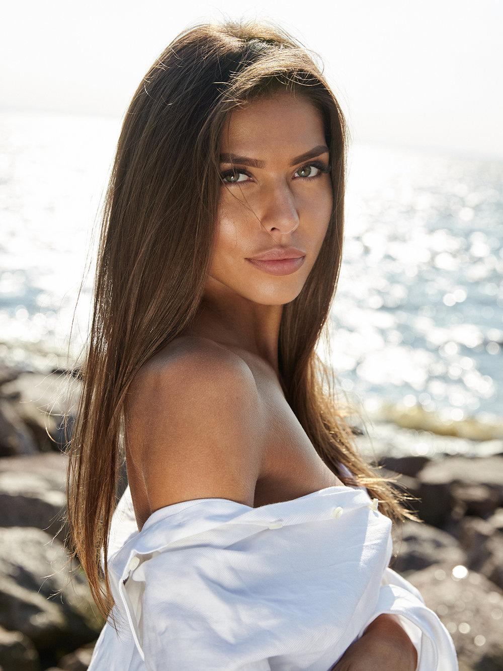 13b3f87f338b-ph_olga_firfarova_model_katerina_sozinova, model citizen magazine.jpg