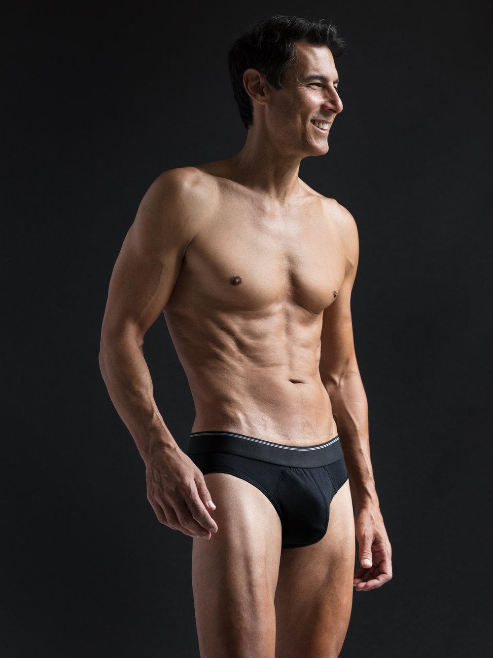 b79e0d7914f2-KMcD_black_underwear.jpg