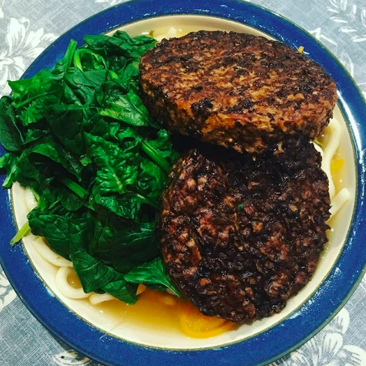 At the start of this year I decided to do a 30 day vegan challenge. So far so good and pretty sure I'll be carrying on with it after the month is up. Louisa made this vegan noodle dish with Linda McCartney burgers to substitute the salmon the rest of the band were eating.