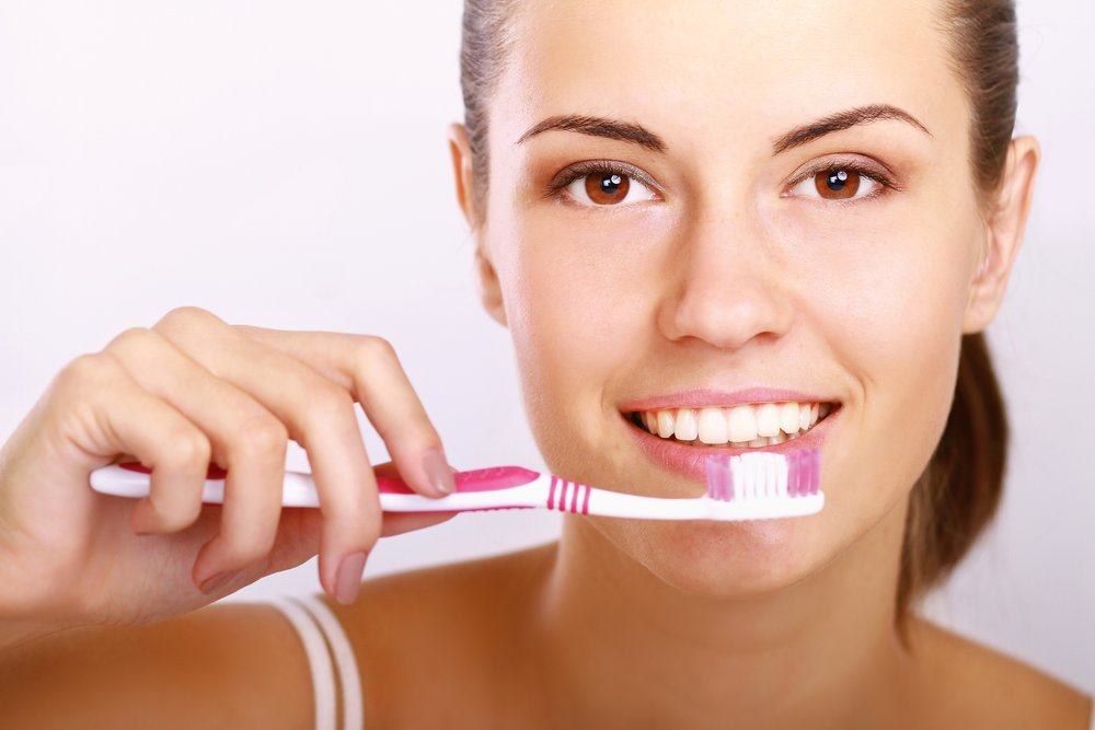 pivinski woman toothbrush.jpg