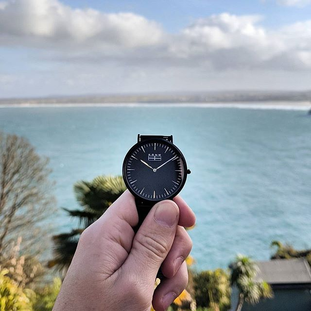 The Kensa taking in the beautiful views that Carbis Bay has to offer.  #kernow #cornwall  #stives #carbisbay #watchesofinstagram #watchoftheday #watch #kernowfornia #kernowstyle