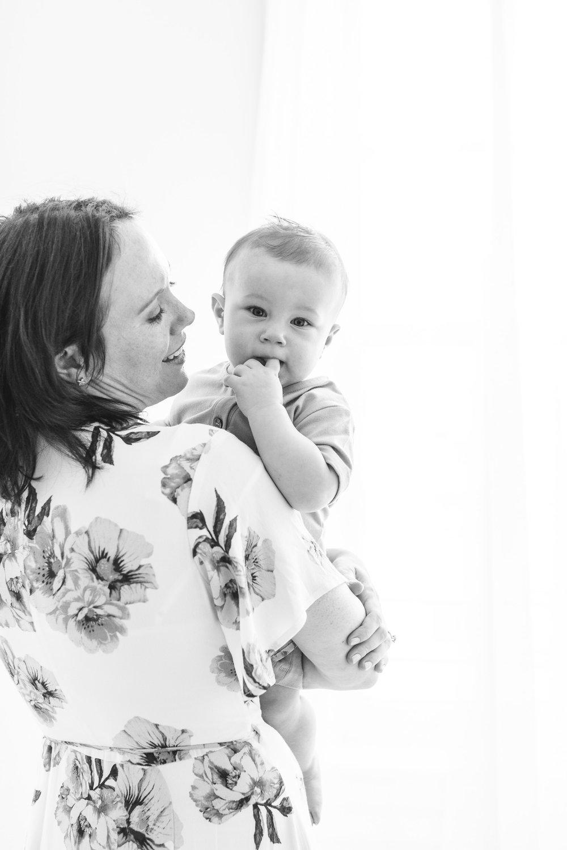 Baby_Lucus_9months_studioportraits_web (4 of 13).jpg
