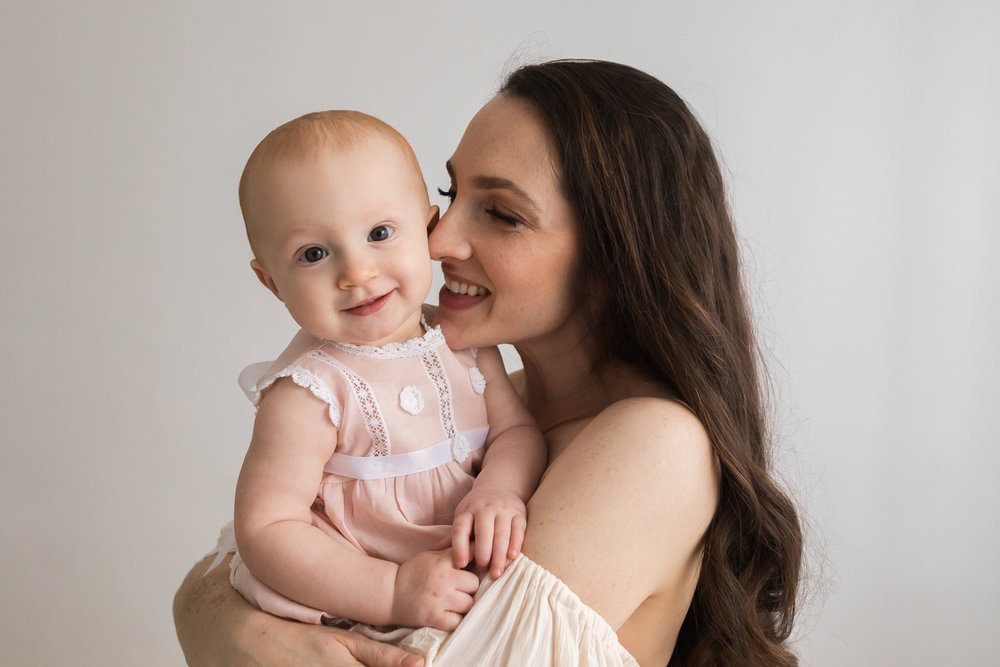 Mother_and_baby_studio_portraits-25.jpg