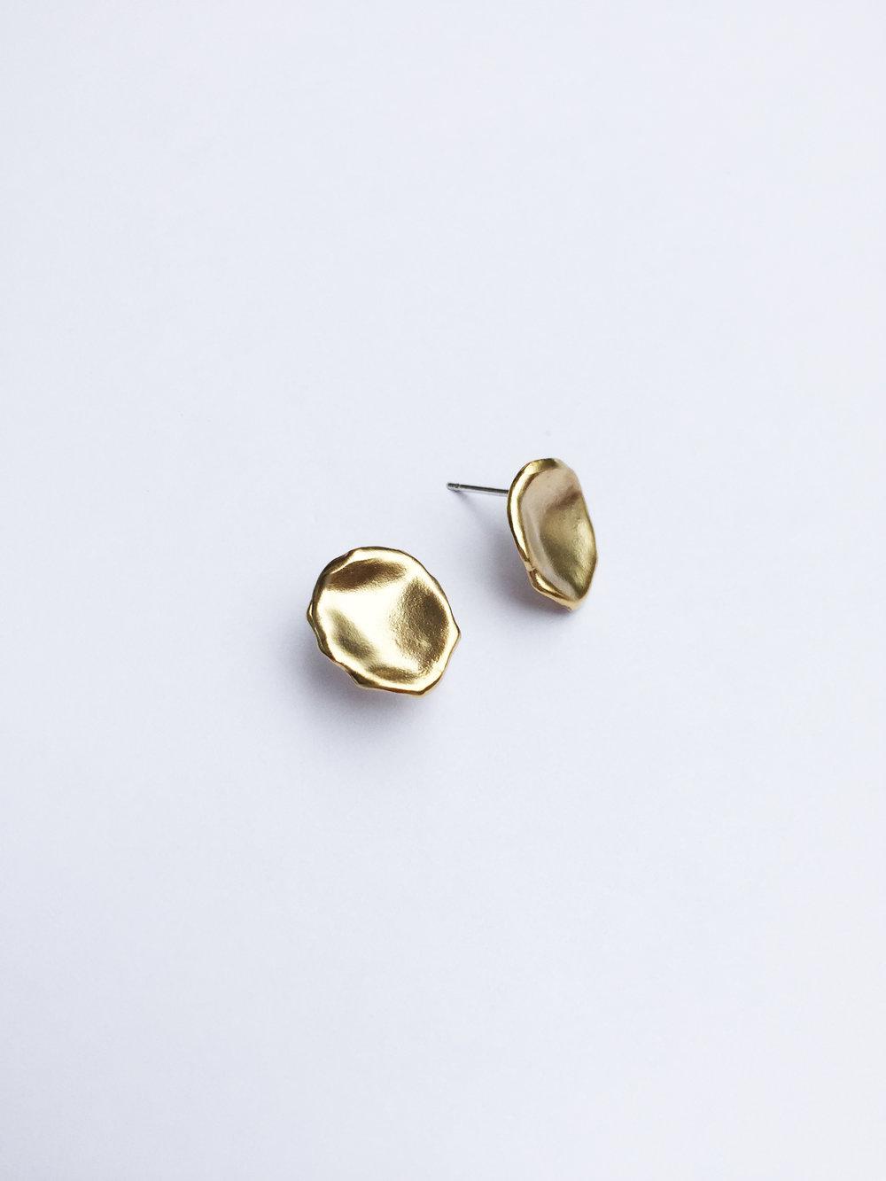Droplet studs - Gold 1.jpg