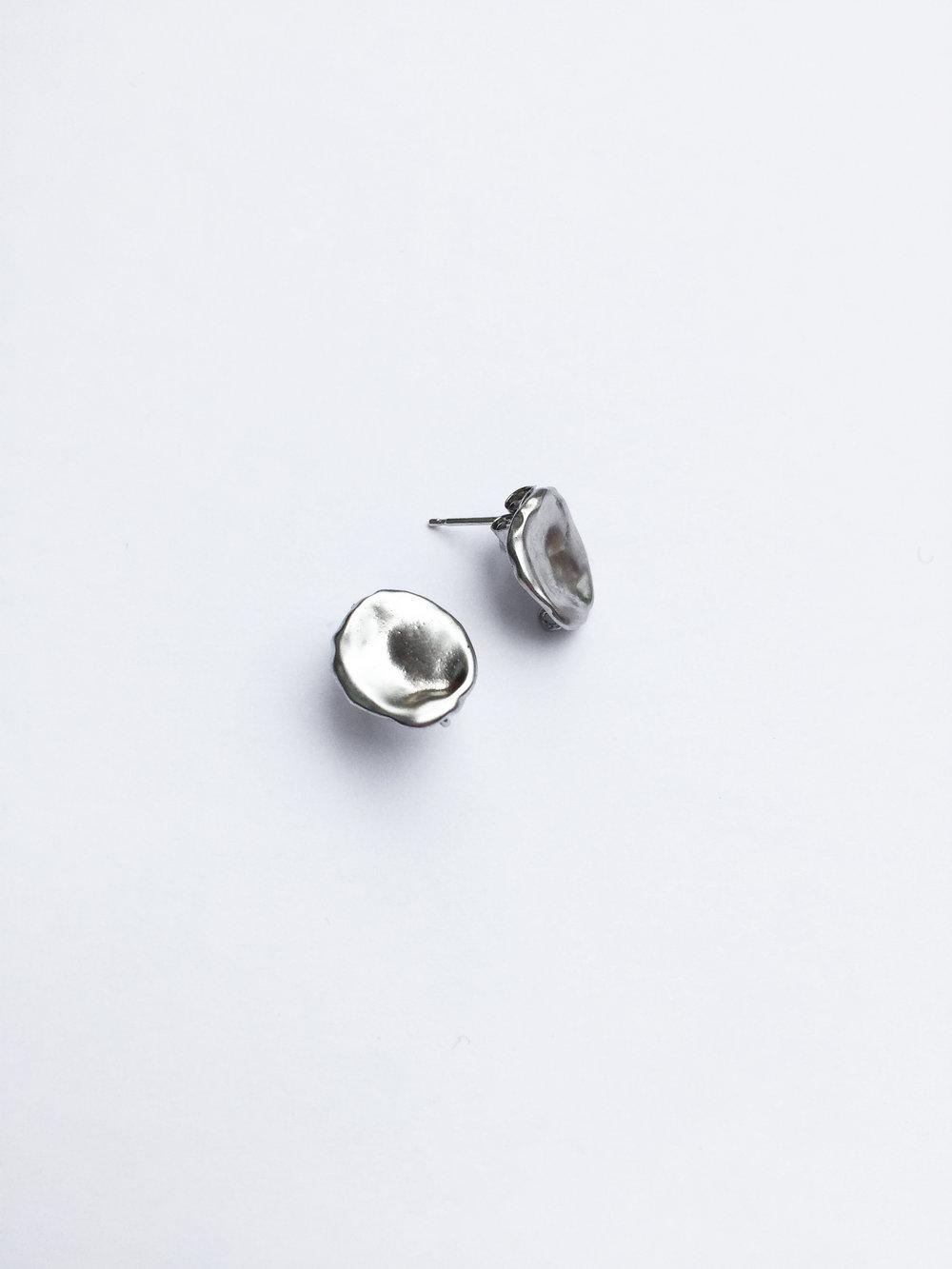 Droplet studs - Silver 2.jpg