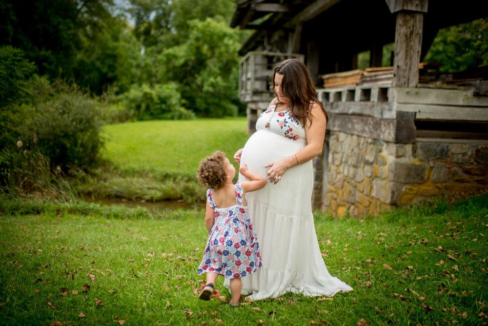 MaternityPortraits-56.jpg