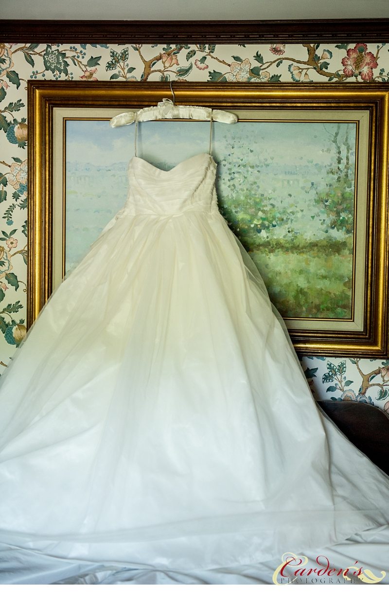 William Penn Inn Wedding Photographer Dress