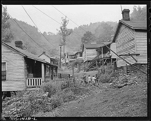 harlan coal camp.jpg