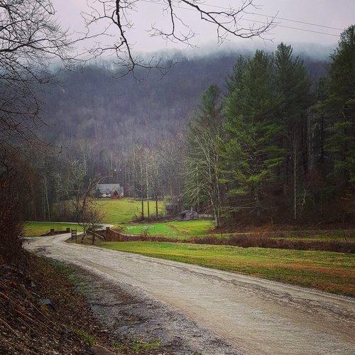 Pine Mountain Settlement School  36 Highway 510 Bledsoe, KY 40810 (606) 558-3571     https://www.pinemountainsettlementschool.com/