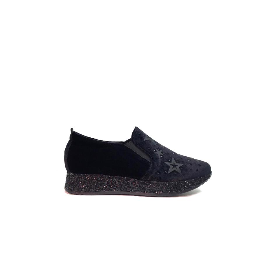 sneakers-in-black-velvet.png