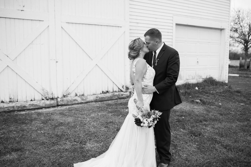 LLP Michigan Wedding Photographer 16.jpg