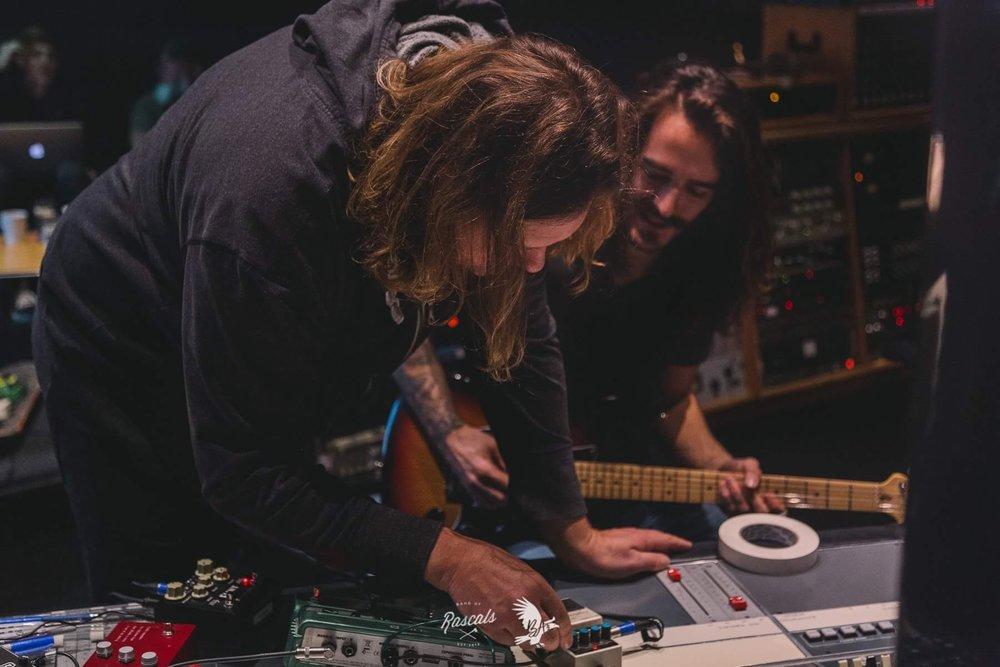 Recording Guitar With Eric Ratz