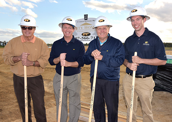 Jack Nicklaus breaks ground on The Bear's Den Club with executives representing The Bear's Den Club.