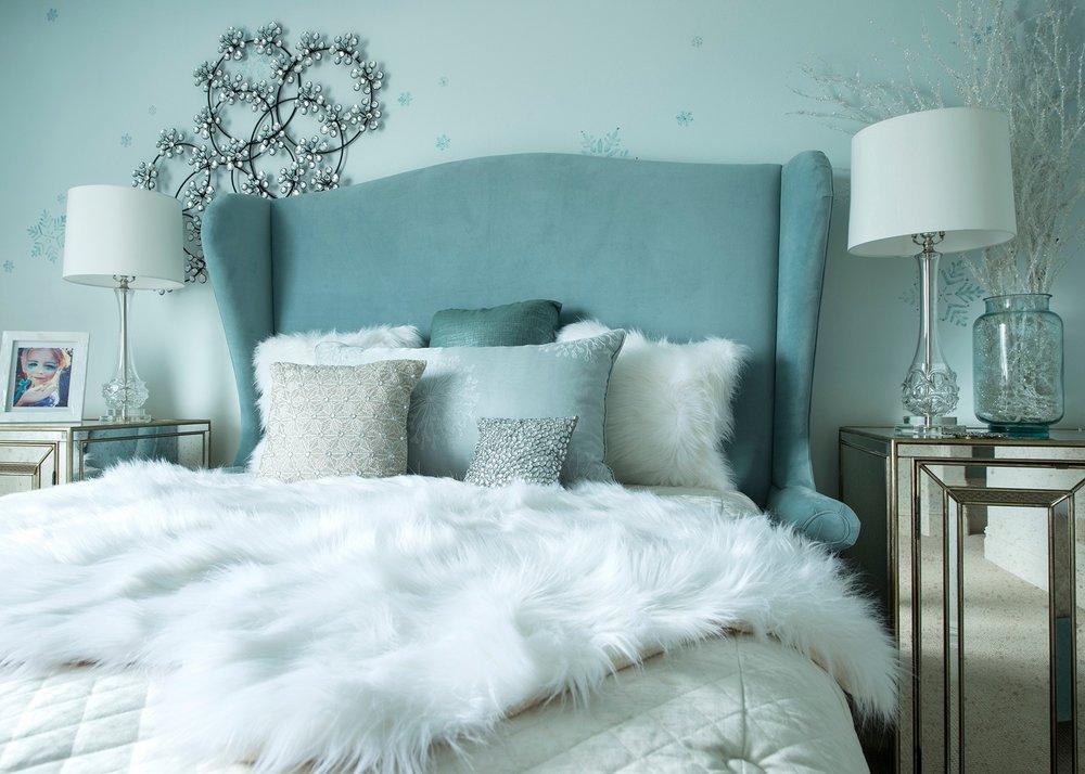 Lot 008 Frozen Bedroom B 0120ZV_0166KP_med.jpg