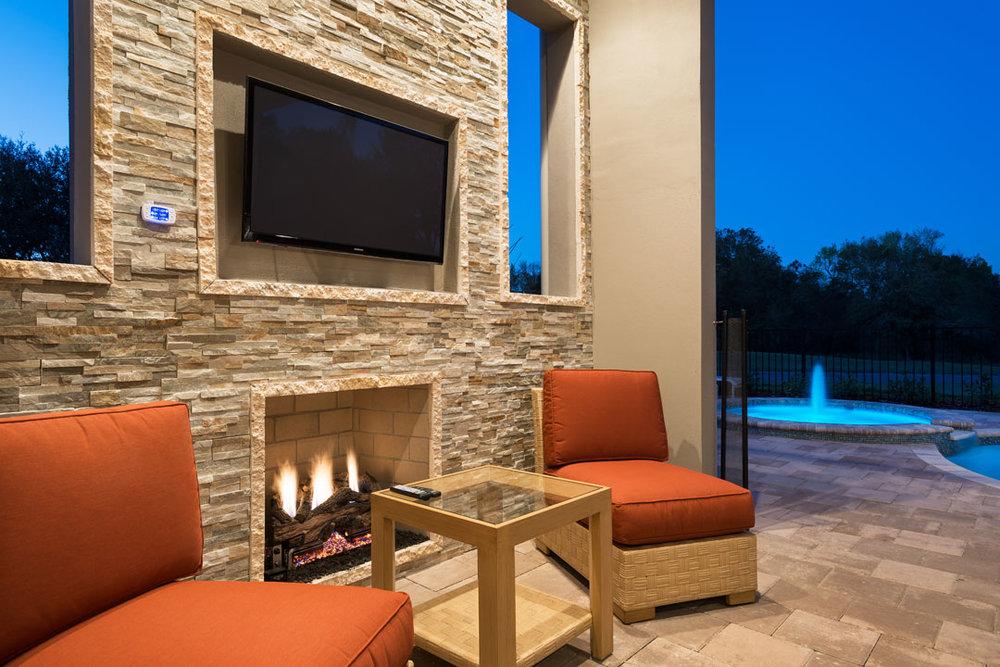 7433GCRR-patio-lanai-dusk-1-140228-1080x720.jpg