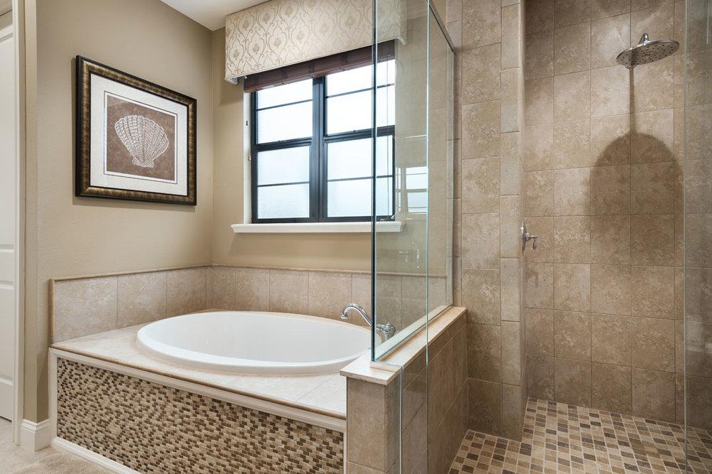 7433GCRR-bath-2-suite-2-140212-1080x720.jpg