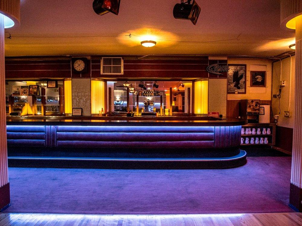 Shining Bar.jpeg