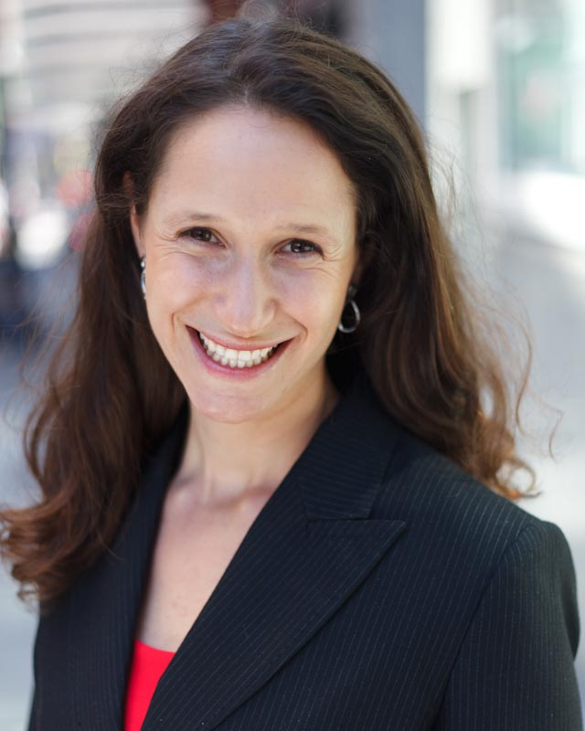 <b>Dana Gunders</b><br>Author & food waste<br> expert