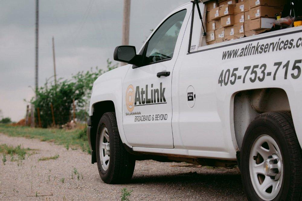 AtLink-truck-parked-on-the-road-side.jpg