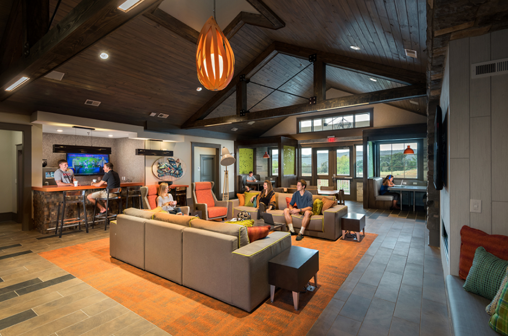 The Retreat at Gainesville, Student Living