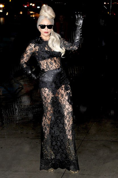 lady-gaga-outrageous-looks-07.jpg