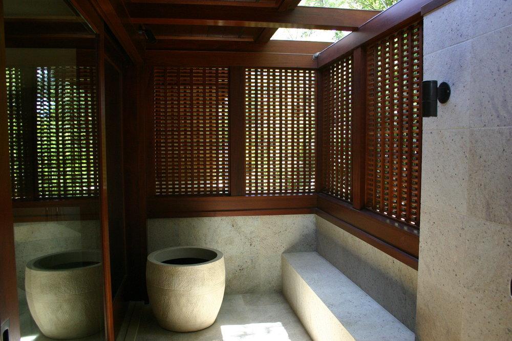 Schwartz - Interior (4).JPG
