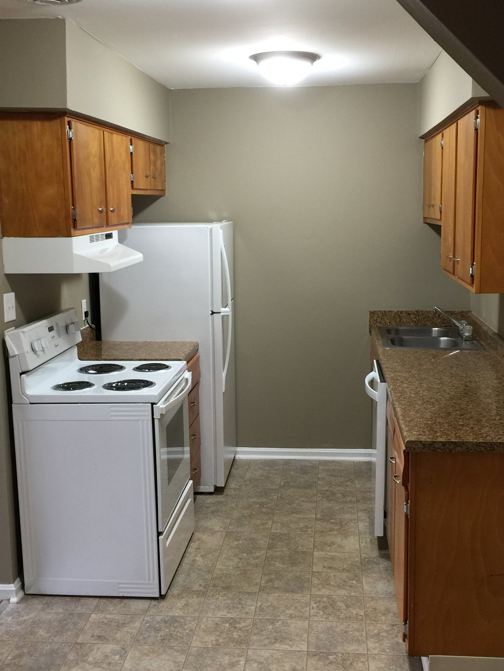 1 Bedroom Kitchen 4.JPG