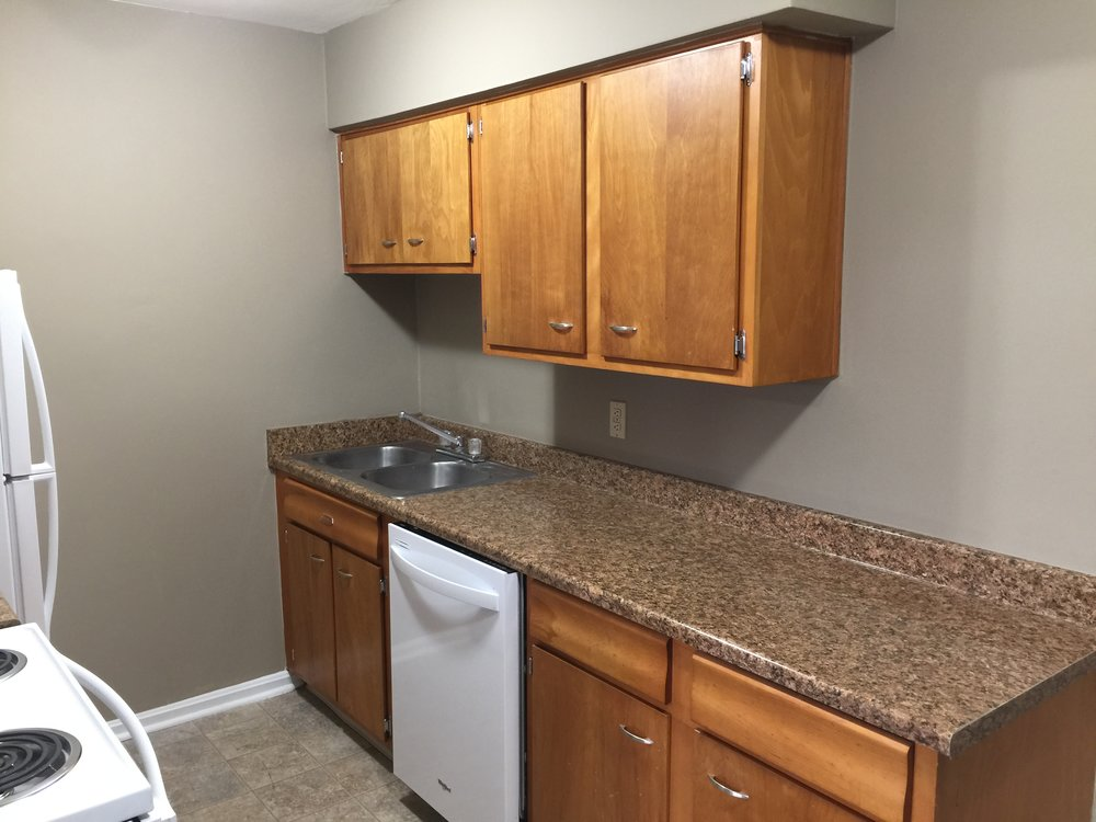 1 Bedroom Kitchen 7.JPG