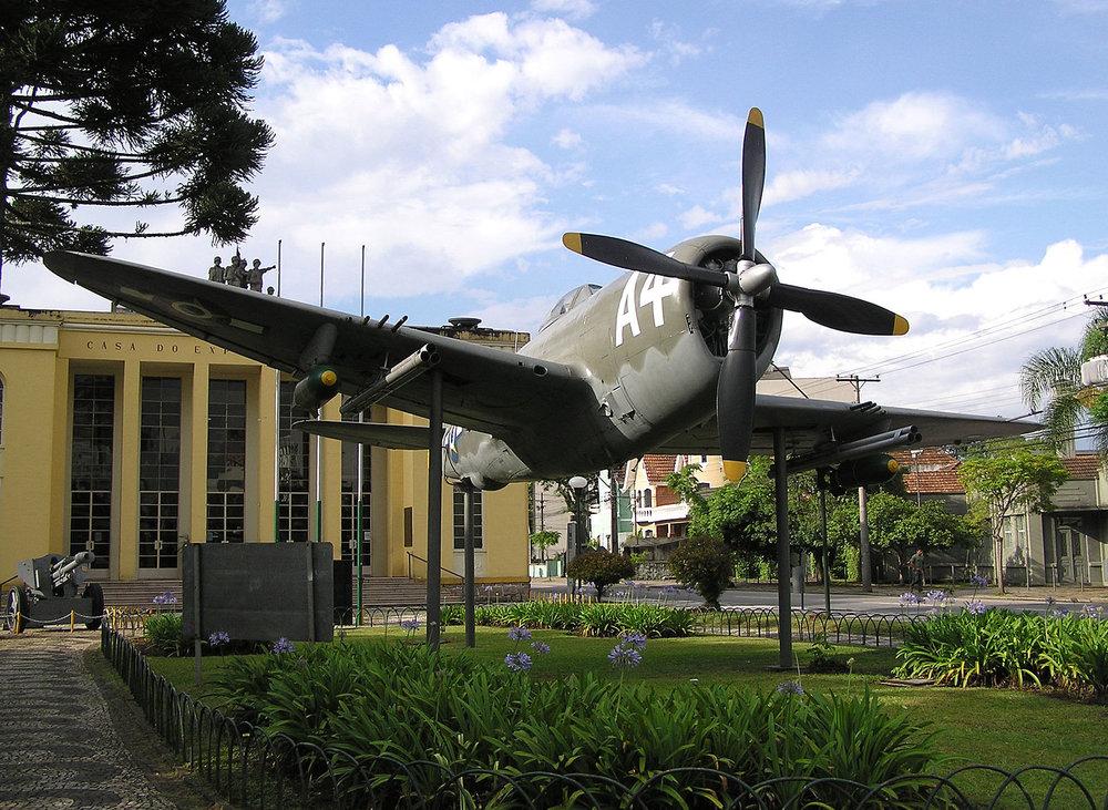 1600px-Museu_do_Expedicionario_3_Curitiba_Brasil.jpg