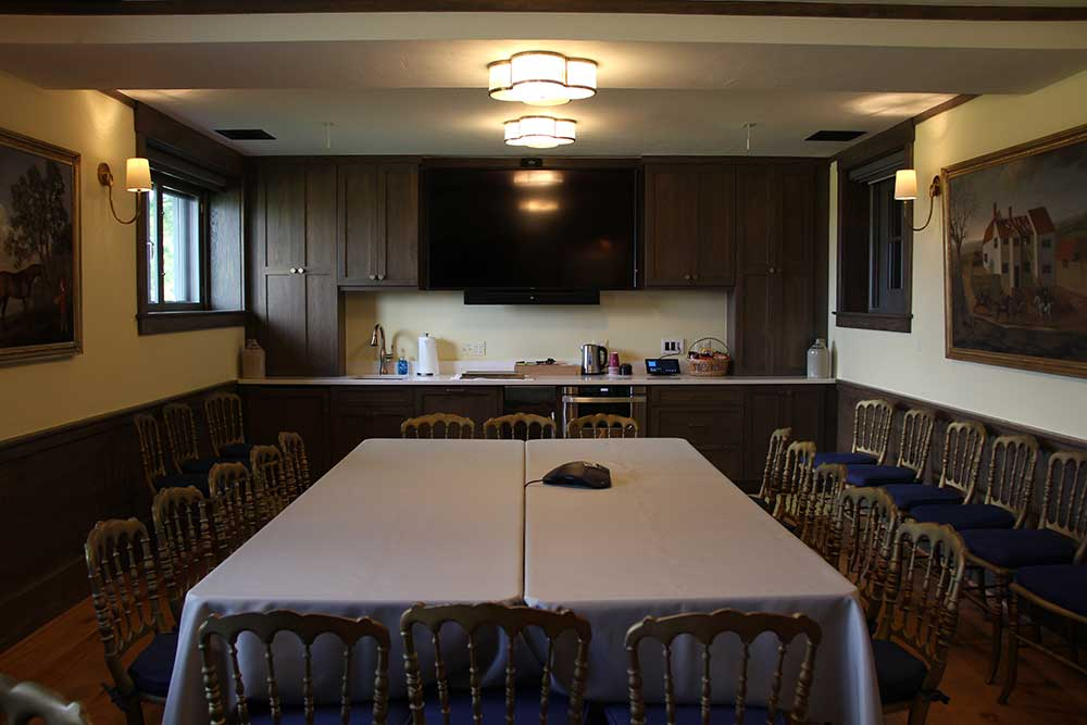 The Mill Reef Conference Room provides a space for lectures, meals and meetings. With its video teleconferencing system, we are able to conduct meetings with participants around the world.