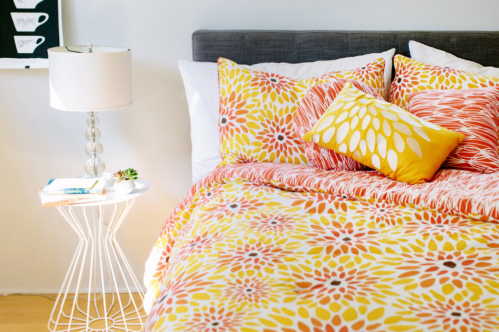 VITA_Girasol_comforterset_bed.jpg