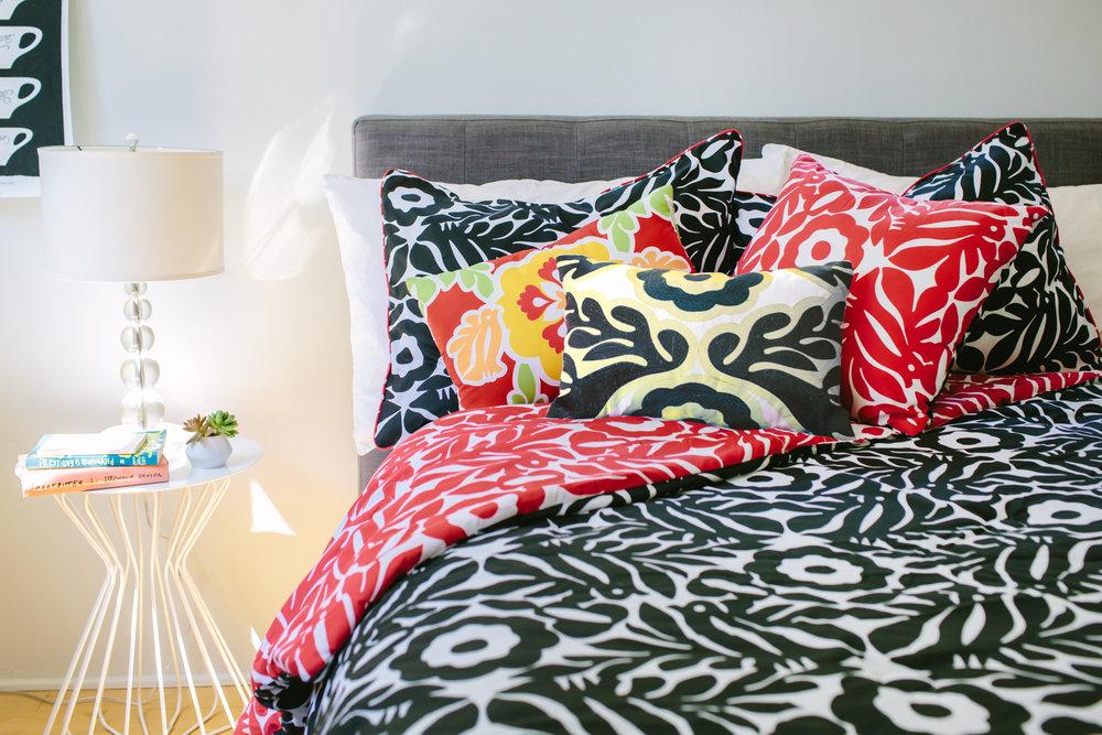 VITA_Otomi_comforterset_bed.jpg