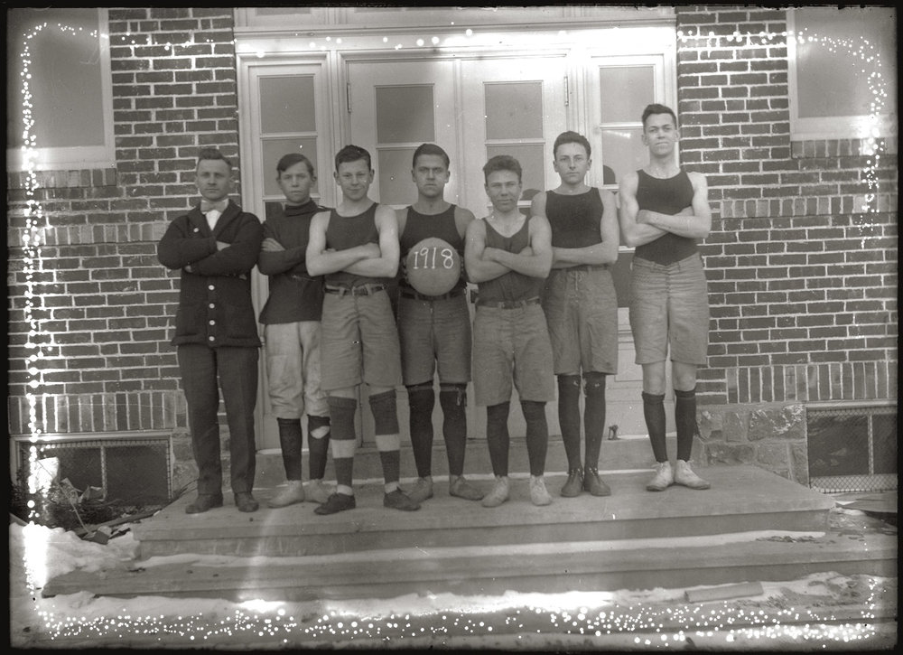 BasketballTeam1918Webcopy.jpg