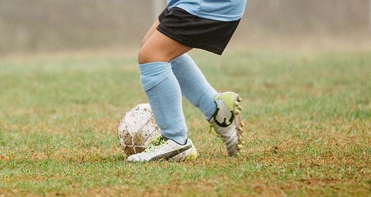 blue socks_cropped_0KJ_3676.jpg