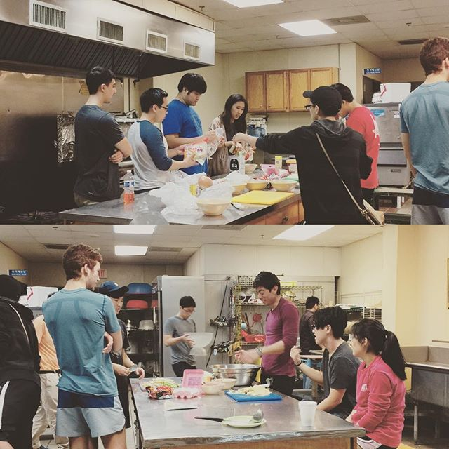 how many students does it take to make decent dduk-bok-ki?