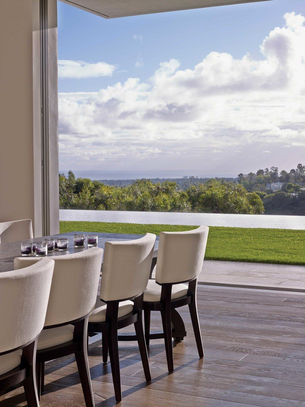 A_Stradella_JulieToy_Dining-Room-Table-Open-Doorway_7164-e.jpg
