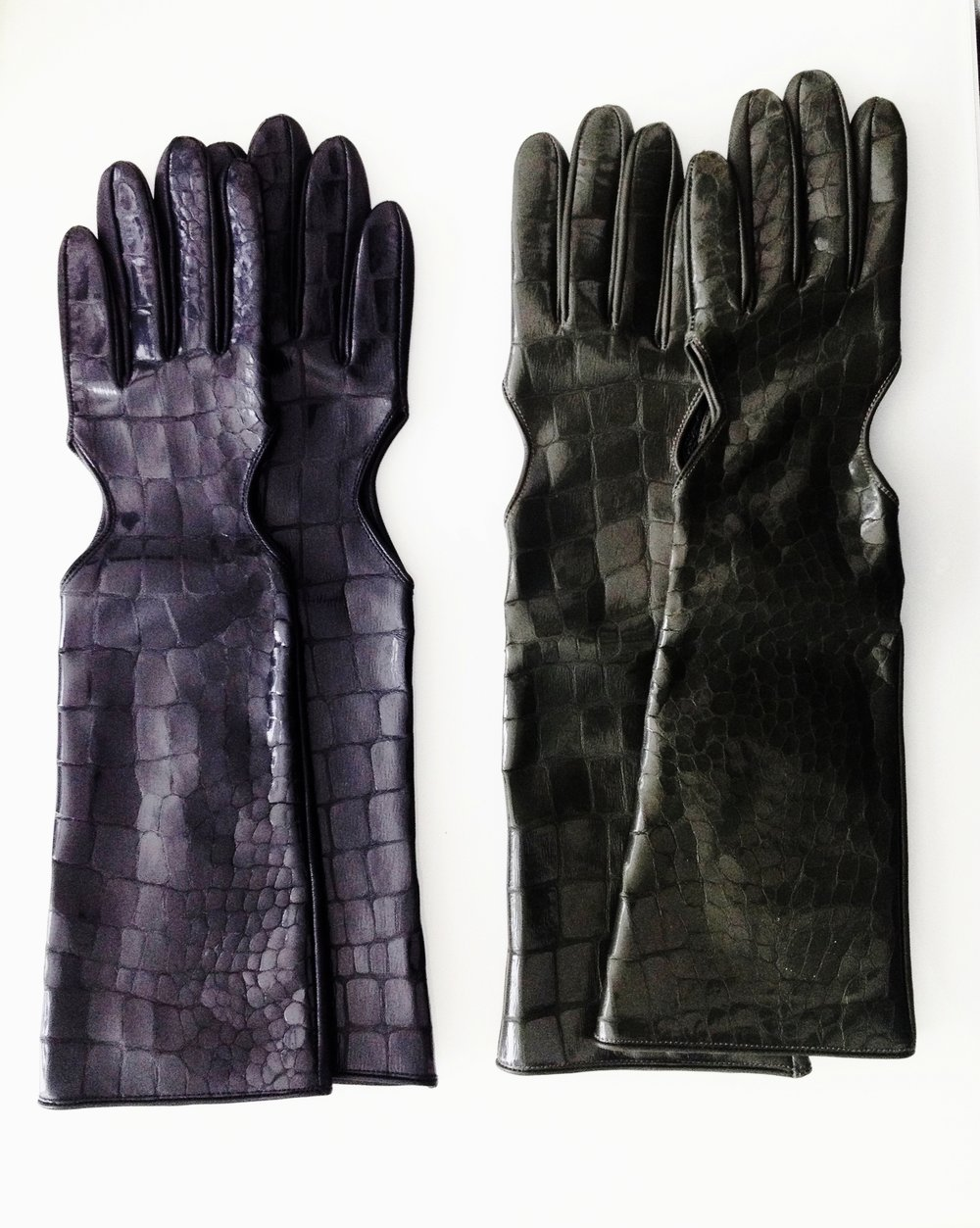 Long Women Gloves   Colors available Black/Green One size Original Price 143€ | Discount Price 71,50€ Ref. LCFW15HL01